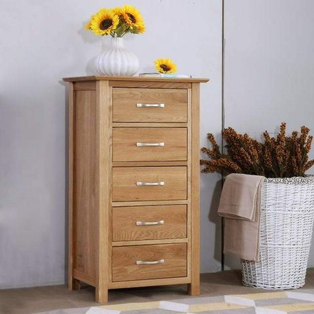 שידה מעץ מלא – טבעי, יפה, ומשתלב היטב בבית שלכם